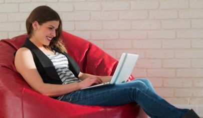 woman-on-beanbag-with-laptop