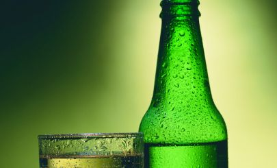 cider-bottle-glass-cropped-close-up